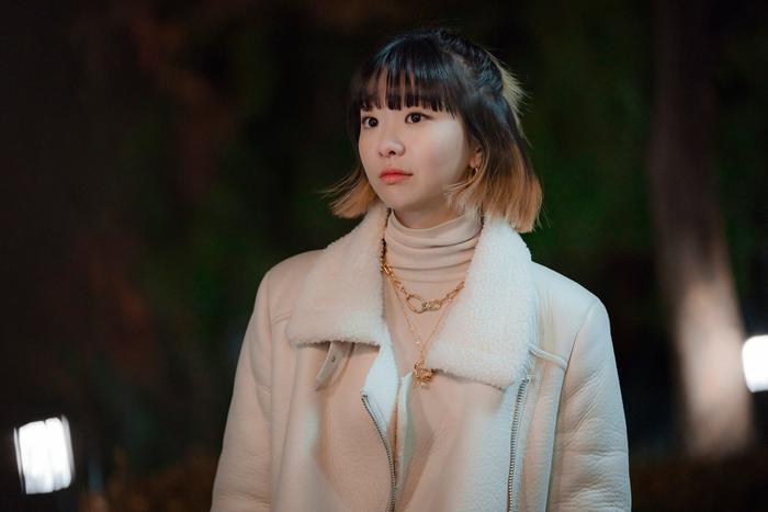Tầng lớp Itaewon: Nam  nữ chính như bước ra từ truyện tranh, dàn nữ phụ xinh đẹp hơn hẳn ảnh 1