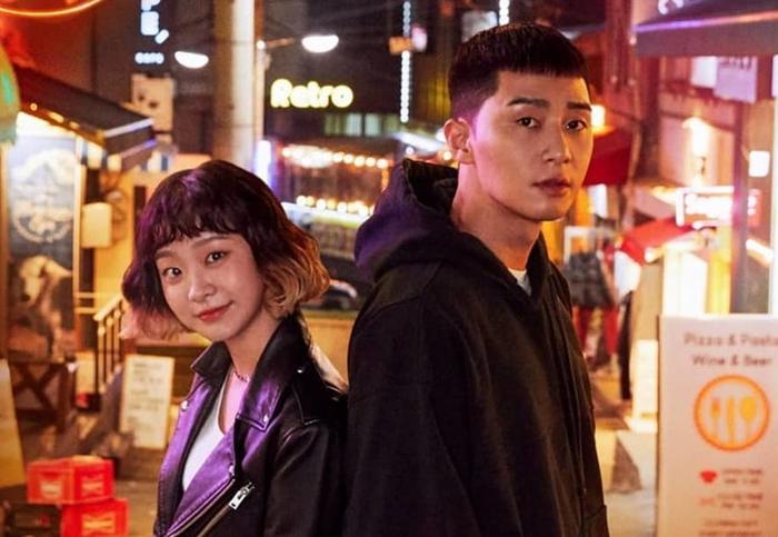 """Sae Roy và Yi Seo trong """"Itaewon Class""""."""