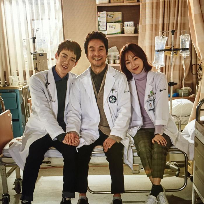 Sư phụ Kim cùng với hai học trò của mình