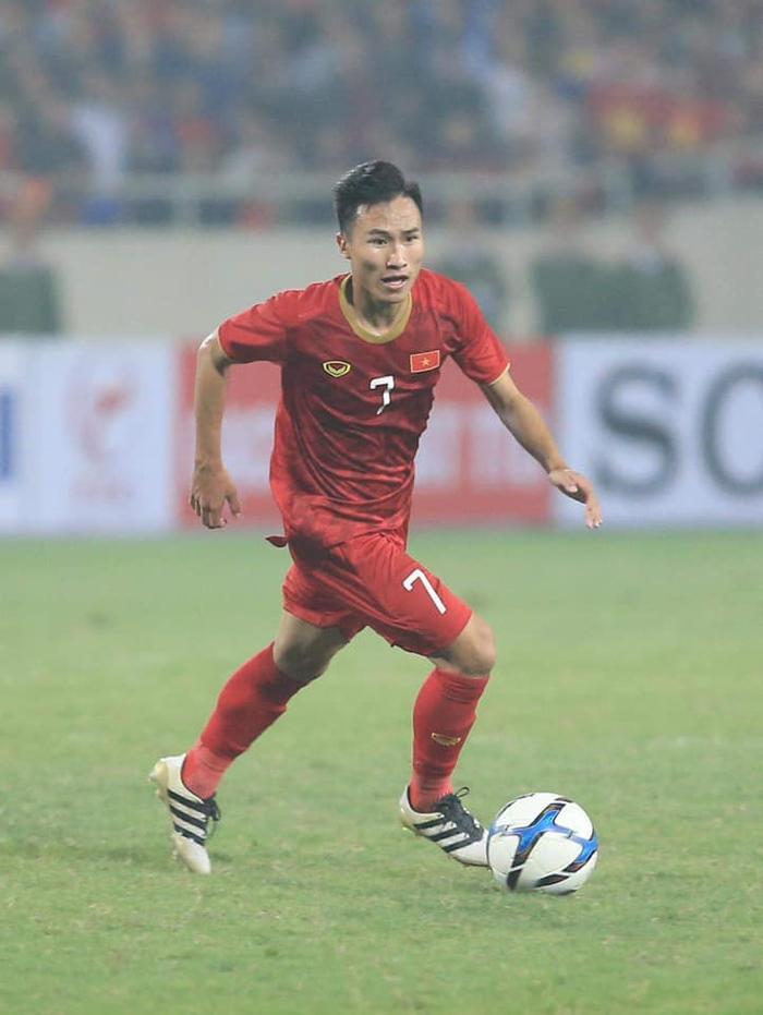 Cùng lý do như Văn Toàn, bầu Đức cũng khước từ lời đề nghị mượn Triệu Việt Hưng của CLB TP.HCM trước thềm V.League 2020 khởi tranh.