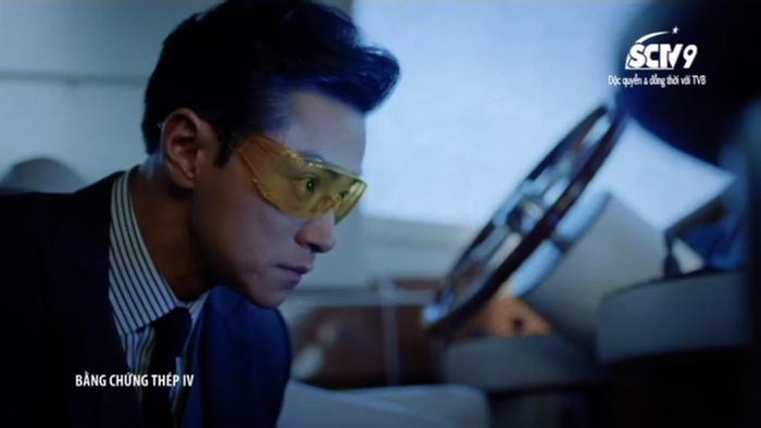 Sếp Cao An vững vàng dẫn đội vào khám thuyền của cặp vợ chồng giàu có.