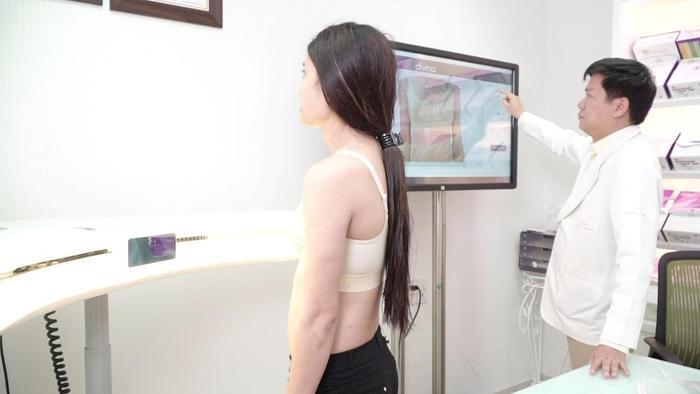 Bác sĩ Nguyễn Phan Tú Dung trực tiếp tư vấn, thăm khám nâng ngực giúp tôi thực hiện hóa giấc mơ đời mình.