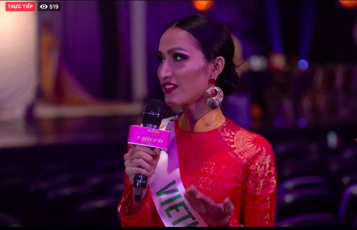 Hoài Sa diện áo dài nổi bật, trả lời ứng xử bằng tiếng Anh tại Miss International Queen 2020 ảnh 3 Hoài Sa trả lời ứng xử bằng tiếng Anh tại Miss International Queen 2020