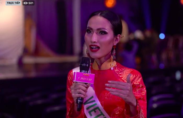 Hoài Sa diện áo dài nổi bật, trả lời ứng xử bằng tiếng Anh tại Miss International Queen 2020 ảnh 2 Hoài Sa trả lời ứng xử bằng tiếng Anh tại Miss International Queen 2020