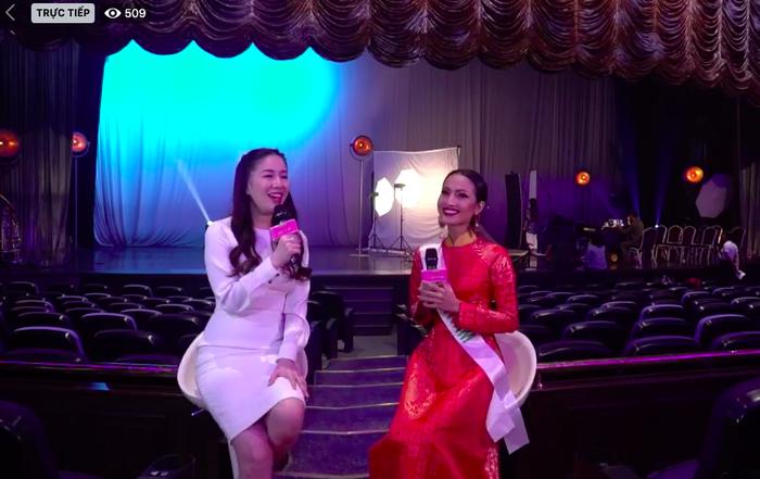 Hoài Sa diện áo dài nổi bật, trả lời ứng xử bằng tiếng Anh tại Miss International Queen 2020 ảnh 4 Hoài Sa trả lời ứng xử bằng tiếng Anh tại Miss International Queen 2020