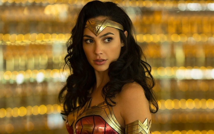 Hé lộ âm mưu kinh hoàng của phản diện Maxwell Lord trong Wonder Woman 2: 1984 ảnh 1