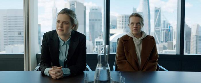 """Review 'The Invisible Man': Ám ảnh với gã bạn trai biến thái thích rình mò và câu chuyện """"Người cũ còn thương"""" phiên bản kinh dị ảnh 2"""