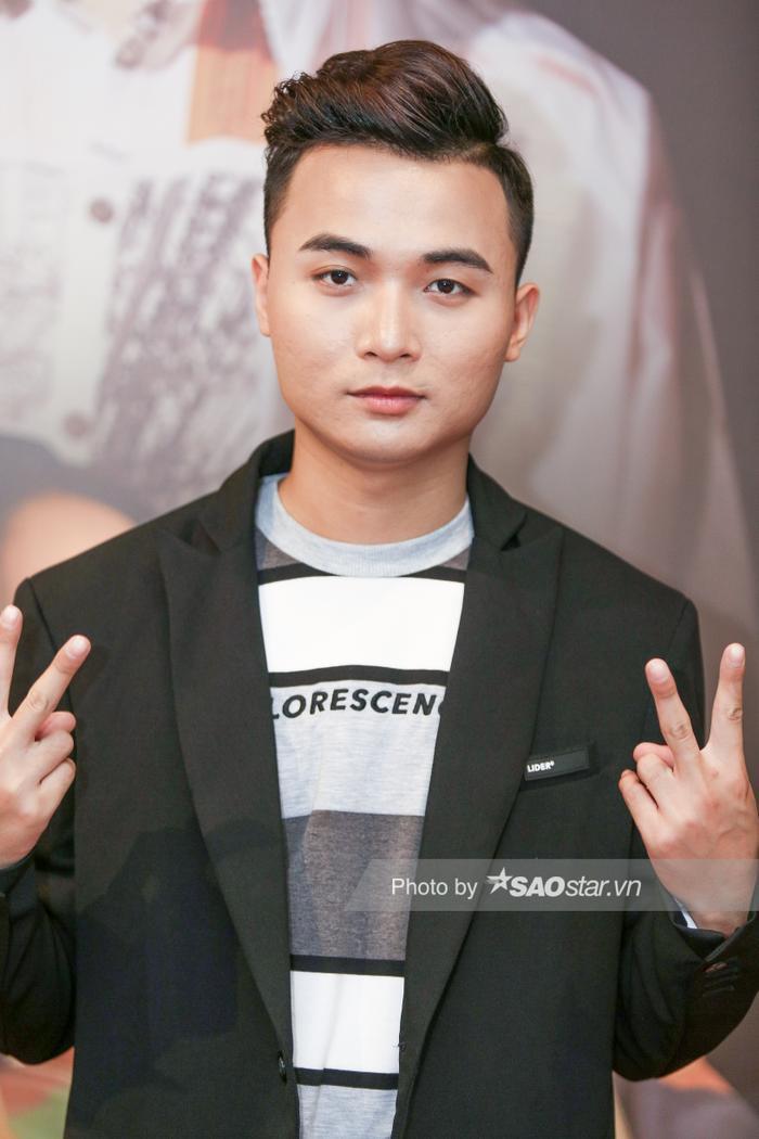 Clip hot: HuyR lần đầu chia sẻ về vị trí sắp xếp producer đặt trước ca sĩ, gửi lời tới anti-fan của K-ICM ảnh 0