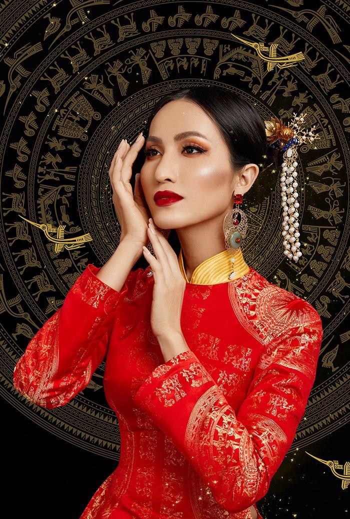 Cận cảnh trang phục dân tộc Bà Triệu của Hoài Sa tại Miss International Queen 2020 ảnh 5