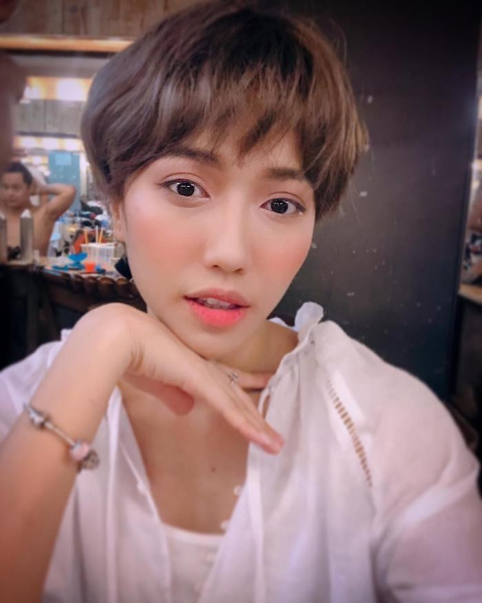 Diệu Nhi đòi 'xuống tóc' giống cô nàng mỹ nhân chuyển giới Lee Joo Young trong 'Itaewon Class'