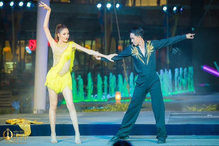Đại diện Thái Lan không có giải dù thể hiện màn vũ đạo vô cùng đẹp mắt.