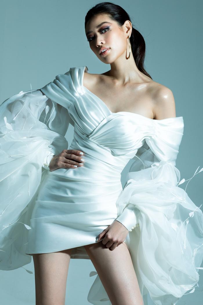 Khánh Vân tung bộ ảnh đẳng cấp, không hổ danh giải Bạc Siêu mẫu kiêm Hoa hậu Hoàn vũ Việt Nam ảnh 11