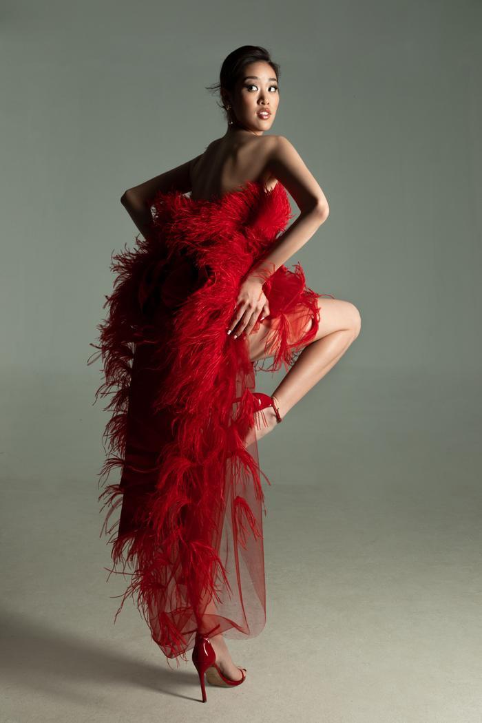 Khánh Vân tung bộ ảnh đẳng cấp, không hổ danh giải Bạc Siêu mẫu kiêm Hoa hậu Hoàn vũ Việt Nam ảnh 1