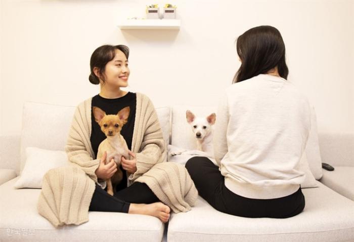 Đám cưới ngọt ngào đẹp như mơ của cặp đôi đồng tính nữ Hàn Quốc bất chấp đại dịch COVID-19 ảnh 6