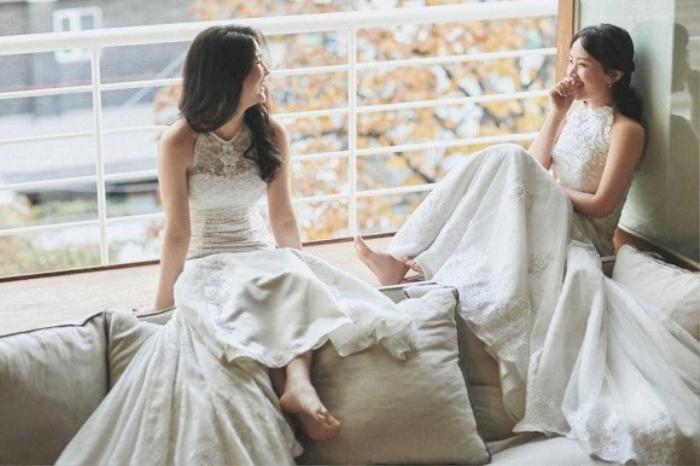 Đám cưới ngọt ngào đẹp như mơ của cặp đôi đồng tính nữ Hàn Quốc bất chấp đại dịch COVID-19 ảnh 4