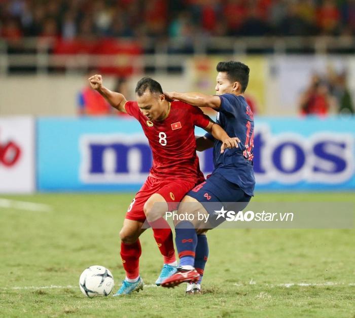 Trọng Hoàng vắng trận đấu với Malaysia vì thẻ phạt.