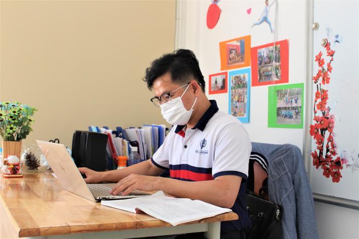 Dù lịch nghỉ học bị kéo dài do dịch bệnh Covid-19, việc dạy và học của các giáo viên, học sinh hệ thống UKA vẫn đảm bảo tiến độ nhờ các phương pháp học trực tuyến.