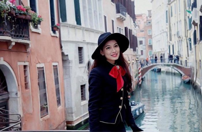Trên trang cá nhân, Linh Thủy thường xuyên chia sẻ những bức ảnh đi chơi, tận hưởng cuộc sống.