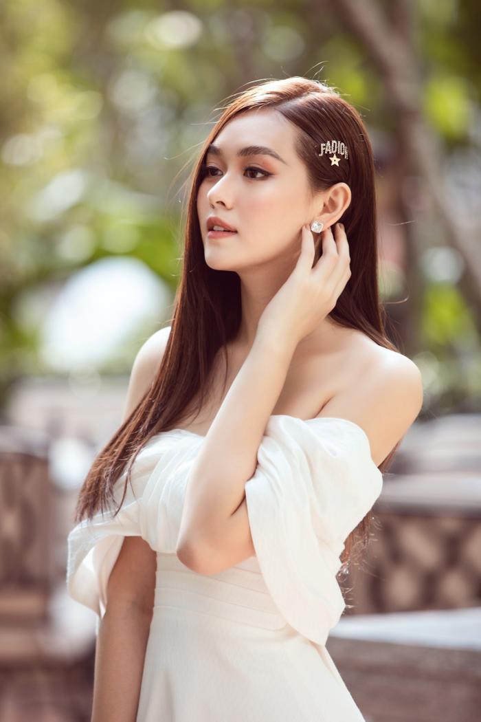 Đỗ Mỹ Linh hoá hồng hạc kiêu sa, Tường San  Lương Thuỳ Linh cũng bung lụa khoe nhan sắc hơn người ảnh 12