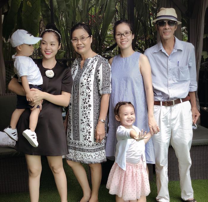 Dương Cẩm Lynh tiết lộ món quà ý nghĩa dành cho người thân khi lễ 8/3 vướng dịch Covid-19 ảnh 3