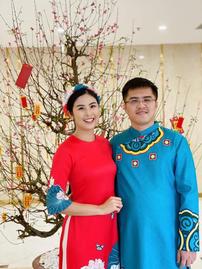 Hoa hậu Ngọc Hân và chồng tương lai quyết định lùi ngày cưới vì dịch Covid-19