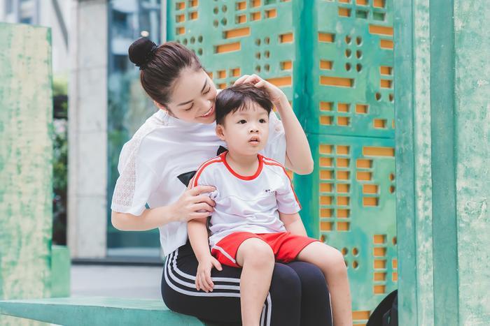 Dương Cẩm Lynh hé lộ kế hoạch tránh dịch COVID-19 khi con trai nghỉ học thời gian dài ảnh 1
