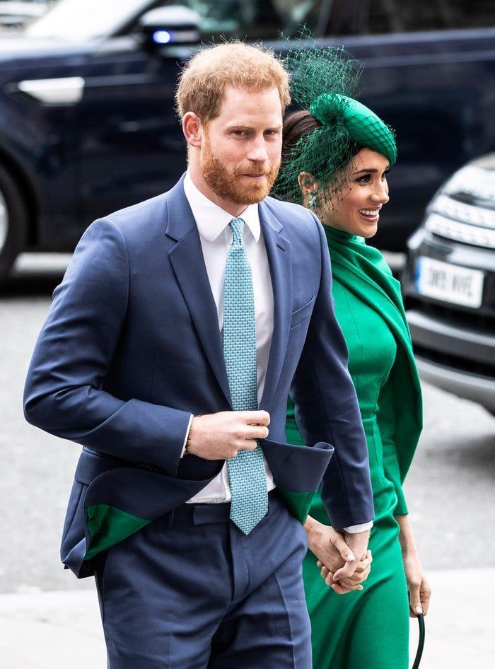 Anh bùng dịch nCoV, Harry và Meghan được tha thứ khi không đưa hoàng tử bé về Hoàng gia ảnh 2