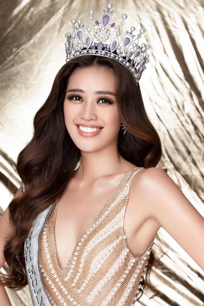 Fan hâm mộ đang chờ đợi Khánh Vân sẽ hiện thực hóa bằng hành động thông điệp bảo vệ trẻ em, bảo vệ phụ nữ khỏi tệ nạn bạo hành. Và đây cũng chính là thông điệp Khánh Vân sẽ mang tới Miss Universe 2020.