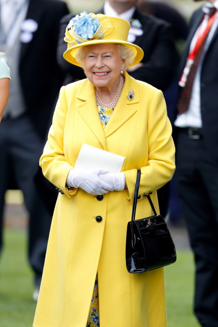 Ý nghĩa sâu xa đằng sau 17 lựa chọn thời trang nổi tiếng của Hoàng gia ảnh 9