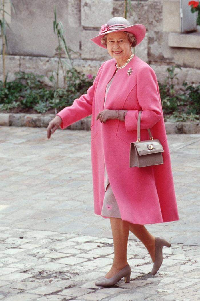 Ý nghĩa sâu xa đằng sau 17 lựa chọn thời trang nổi tiếng của Hoàng gia ảnh 5