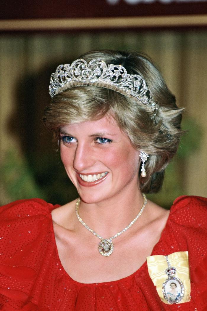 Ý nghĩa sâu xa đằng sau 17 lựa chọn thời trang nổi tiếng của Hoàng gia ảnh 7