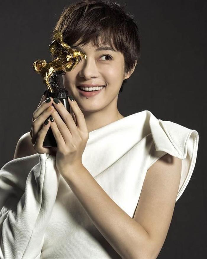 Netizen Trung chọn Lý Hiện, Dương Tử tham gia phim mới với chủ đề cuộc chiến chống dịch bệnh nhưng không có tên Tiêu Chiến ảnh 5