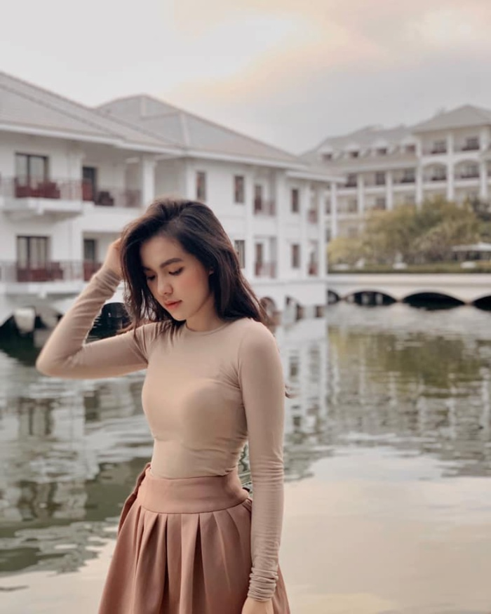 Hiện nay, Hồ Thiên Trang đang là sinh viên ngành Marketing của trường Đại học Swinburne Việt Nam.Trang dự định, năm sinh viên thứ 2 sẽ sang Úc du học.