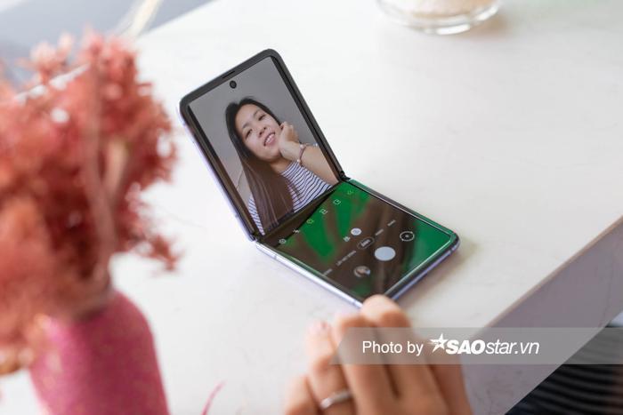 Đánh giá Galaxy Z Flip: Smartphone độc lạ nhất đầu năm 2020 ảnh 16
