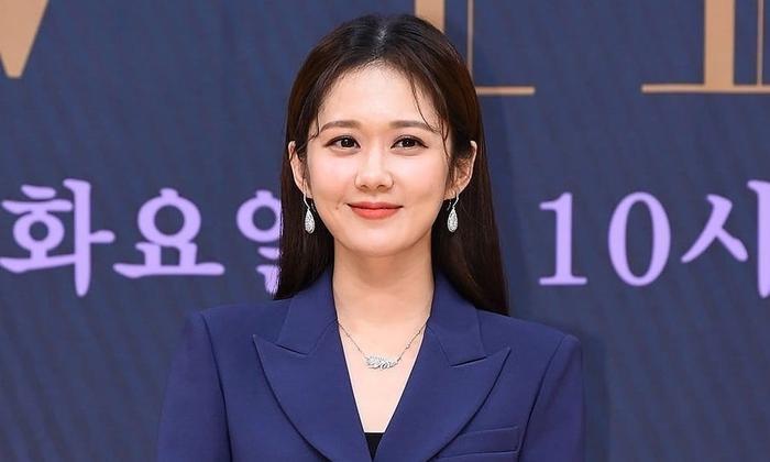 Jang Nara âm thần quyên góp 100 triệu won để ngăn chặn dịch Covid-19 ở Hàn Quốc ảnh 2