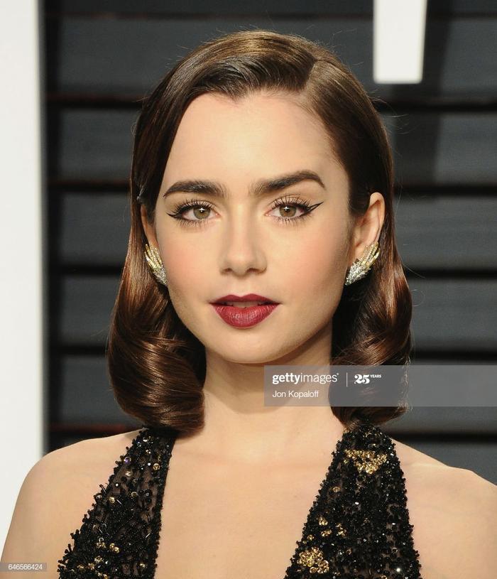 Nhan sắc của nữ diễn viên từng được tờ The Daily Telegraph mô tả là có nụ cười như Audrey Hepburn và lông mày của Liam Gallagher
