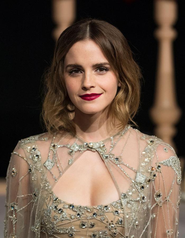 """Với nhan sắc xinh đẹp, ngọt ngào, cổ điển của mình, nữ diễn viên đã được vinh danh là """"Biểu tượng nhan sắc của nước Anh""""trong cuộc bình chọn của thương hiệu St. Moriz"""