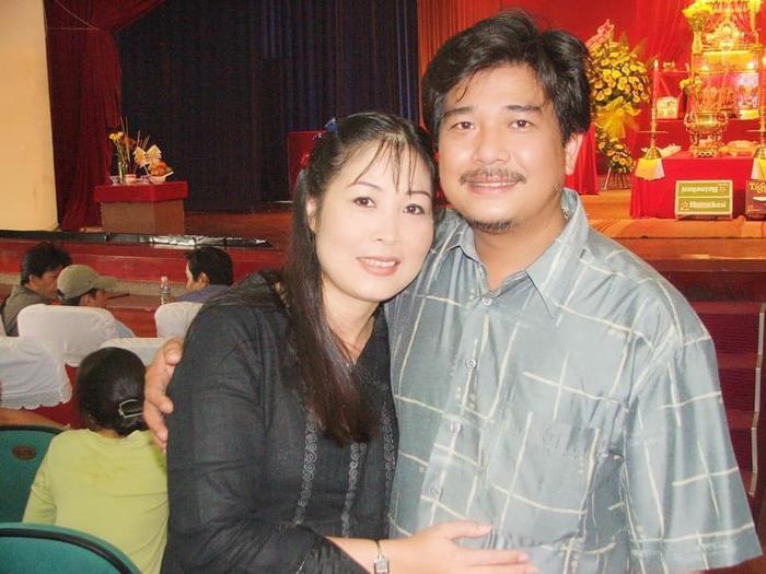Đông đảo bạn bè, khán giả đã gửi lời chúc mừng sinh nhật tới nghệ sĩ Lê Tuấn Anh và bày tỏ sự ngưỡng mộ tới tình yêu bền chặt của cả hai
