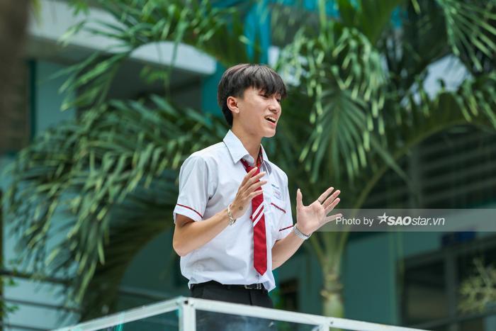 Khả Ngân 'cười ngất' vì màn bóc phốt hội anh em cây khế của chàng hot boy rapper Minh Huy ảnh 5