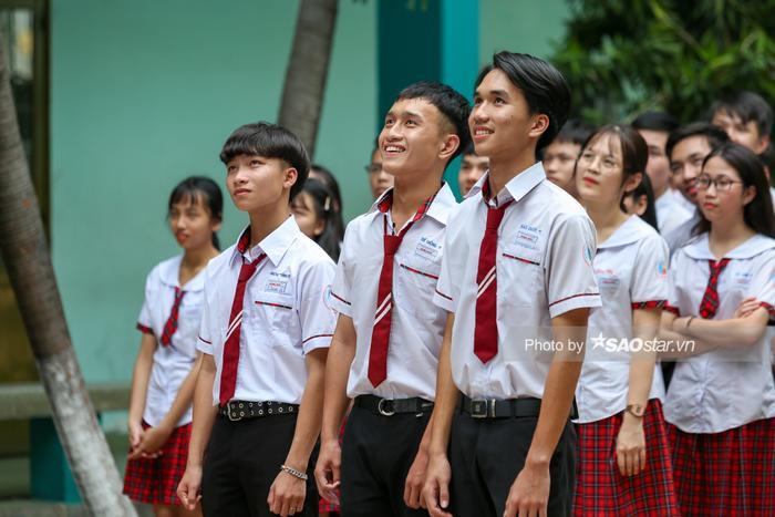 Khả Ngân 'cười ngất' vì màn bóc phốt hội anh em cây khế của chàng hot boy rapper Minh Huy ảnh 7