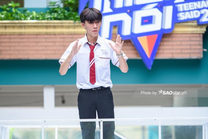 Khả Ngân 'cười ngất' vì màn bóc phốt hội anh em cây khế của chàng hot boy rapper Minh Huy ảnh 0