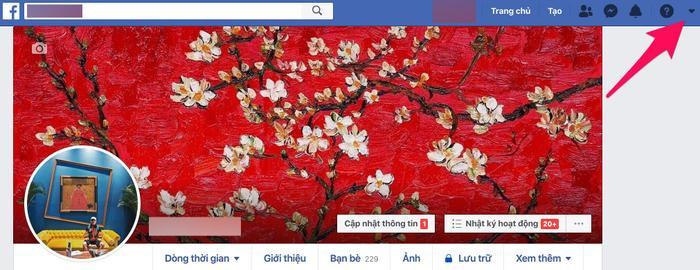 Để kích hoạt giao diện Facebook mới với nền đen huyền bí, bạn hãy bấm vào biểu tượng mũi tên hướng xuống ở trên cùng bên phải.