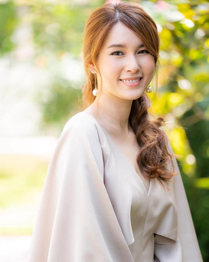 Nam Phueng Khom  Mật Đắng: Bộ phim Thái Lan được CH3 làm lại sau 20 năm, mối tình đầy drama của chú-cháu ảnh 11