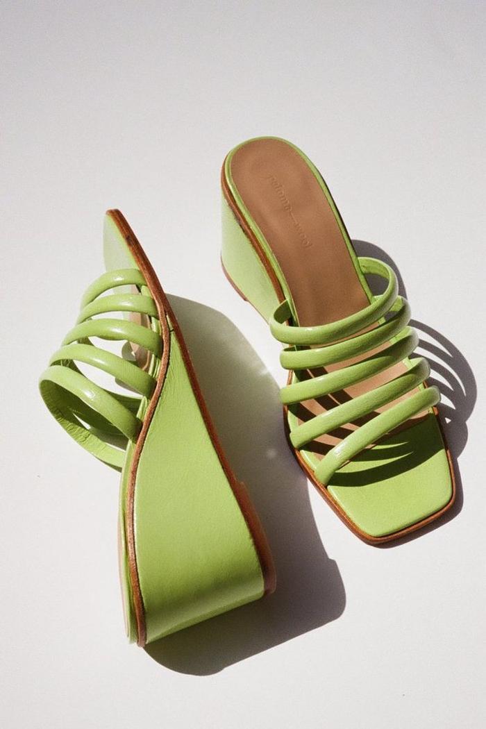 Mùa sale kịch liệt, chị em nhớ ghi sổ 9 xu hướng giày hè 2020 siêu xinh ảnh 1
