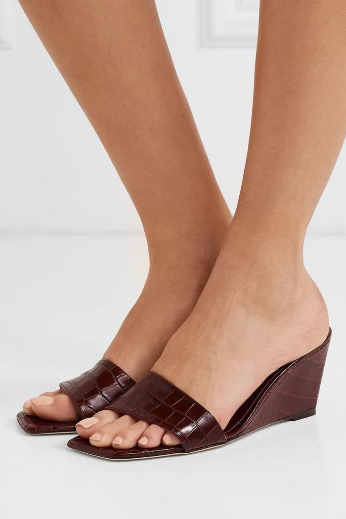 Mùa sale kịch liệt, chị em nhớ ghi sổ 9 xu hướng giày hè 2020 siêu xinh ảnh 2