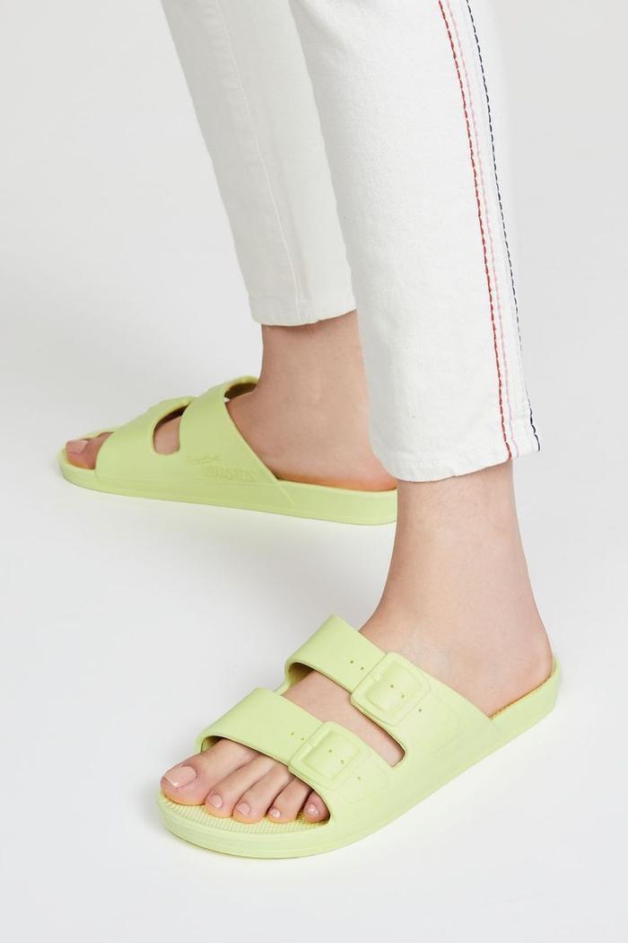 Mùa sale kịch liệt, chị em nhớ ghi sổ 9 xu hướng giày hè 2020 siêu xinh ảnh 27