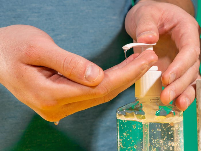 Covid 19 càn quét: Ngành công nghiệp mỹ phẩm chỉ còn biết đi sản xuất nước rửa tay khô ảnh 6