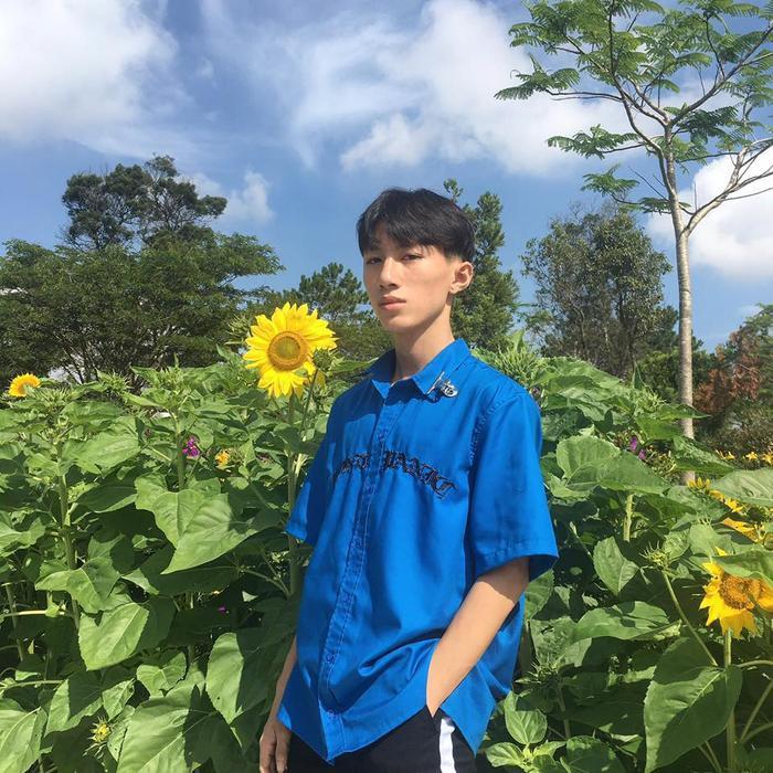 Minh Huy gây sự chú ý bởi sự lầy lội và vẻ ngoài điển trai của mình.