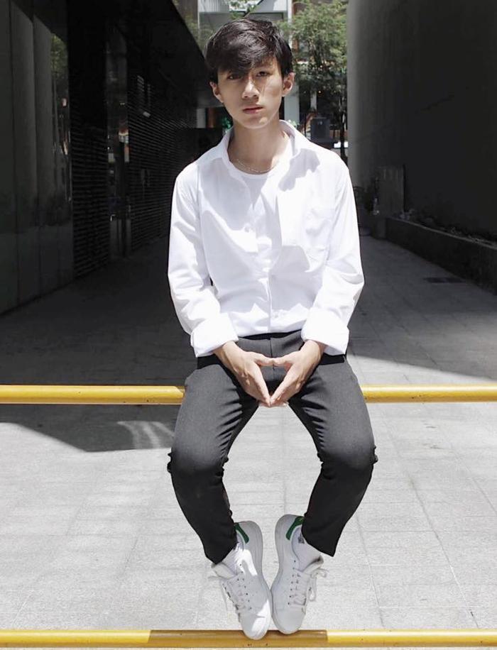 Lê Minh Huy học lớp 12 đến từ trường THCS – THPT Tư thục Hồng Đức.