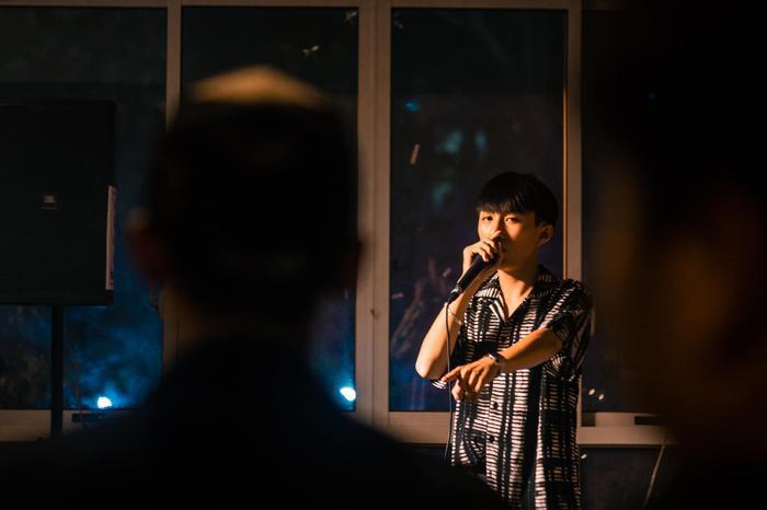 Niềm đam mê lớn nhất của Minh Huy đó chính là ca hát và sáng tác nhạc.